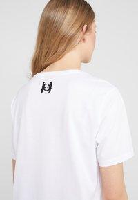 HUGO - DIREOLA - T-shirts print - white - 3