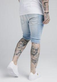 SIKSILK - DISTRESSED - Jeansshorts - light blue - 4