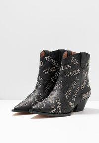 RAS - AUSTIN - Cowboy/biker ankle boot - dream - 4