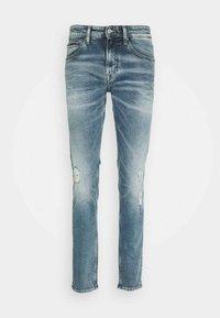 SCANTON - Slim fit jeans - light-blue denim