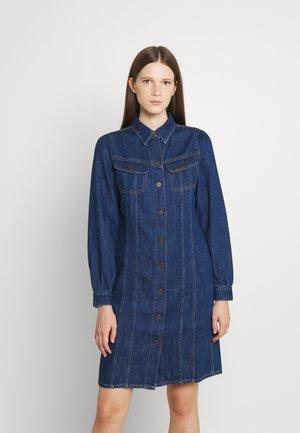 DRESS - Jeansklänning - rinse