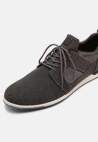 ALDO - MOONAH - Sneaker low - grey - 6