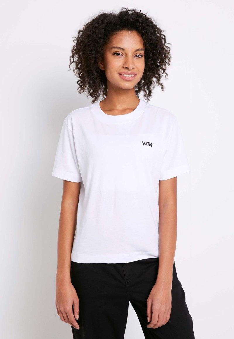 Vans - WM JUNIOR V BOXY - T-shirt med print - white