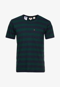 Levi's® - SET IN SUNSET POCKET - T-shirt med print - nightwatch blue/pine grove - 3