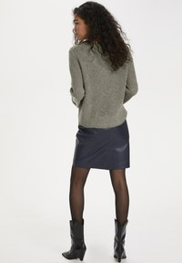 Soaked in Luxury - Jumper - vetiver - 2