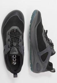 ECCO - BIOM 2GO - Obuwie hikingowe - dark shadow/titanium/black - 1