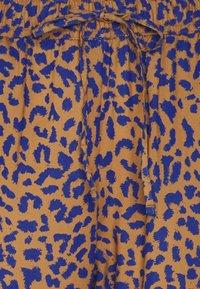 Dedicated - PANTS SKAGEN LEOPARD - Trousers - chipmunk - 2