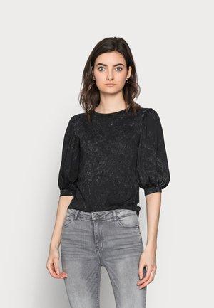 ONLLUCILLA LIFE  - T-shirt med print - black
