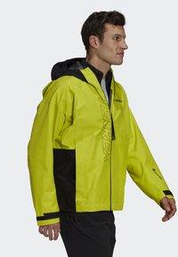 adidas Performance - TERREX GORE-TEX PACLITE RAIN - Hardshell jacket - black - 4