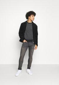 Levi's® - SKINNY TAPER - Jeans Skinny Fit - greys - 1