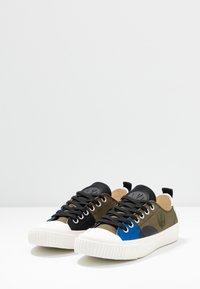 McQ Alexander McQueen - SWALLOW CAPSULE - Sneakersy niskie - khaki/skate/blue - 4