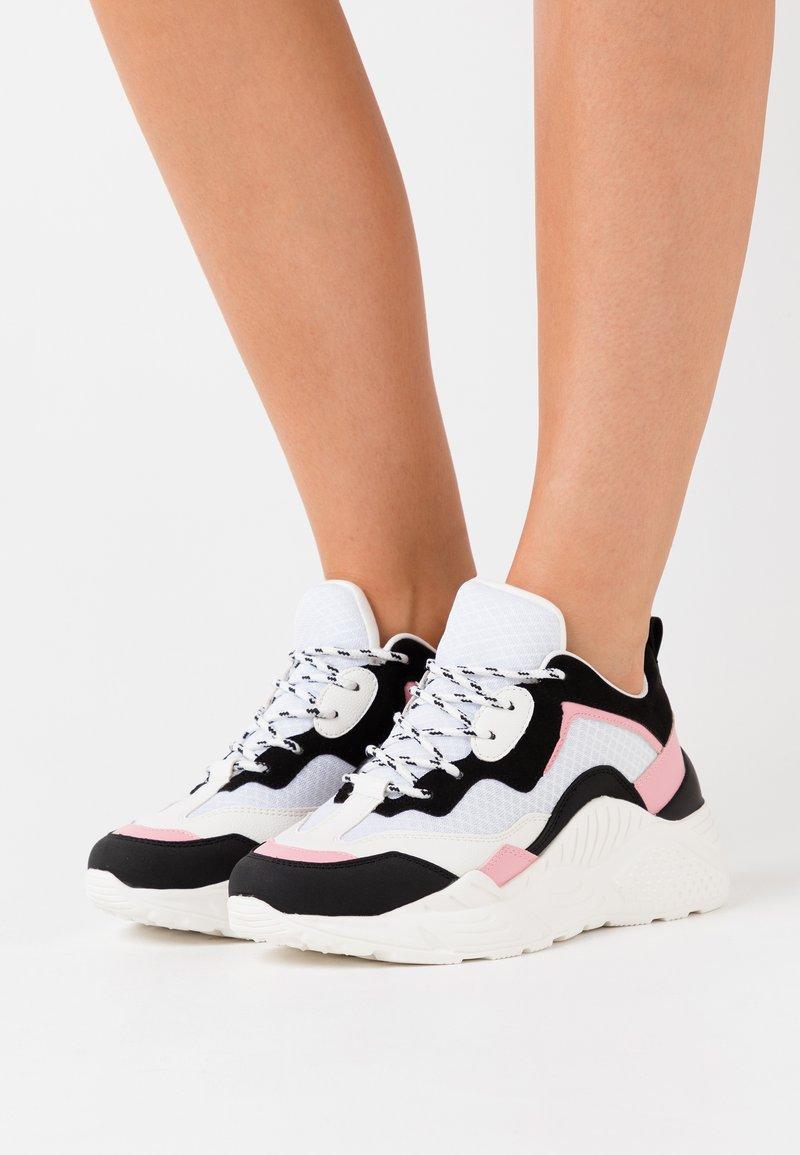 Steve Madden - ANTONIA - Sneakers - black/pink