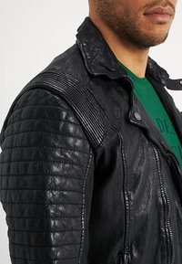 Be Edgy - BESPACE - Leather jacket - black - 5