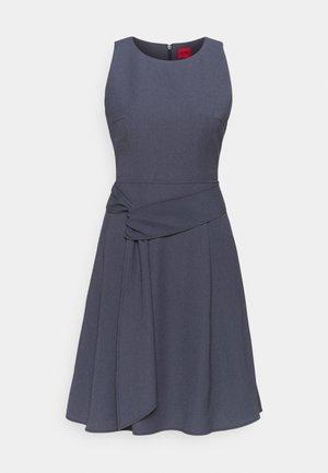 KILAIKAS CREPE - Koktejlové šaty/ šaty na párty - dark blue