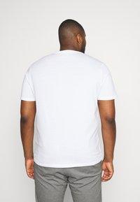 TOM TAILOR MEN PLUS - DOUBLE PACK CREW NECK TEE - Basic T-shirt - white                         white - 2