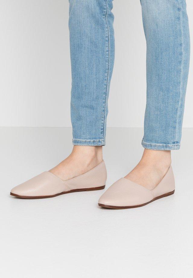 BLANCHETTE - Slip-ons - light pink