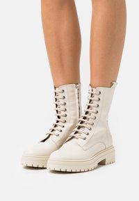 Bianca Di - Platform ankle boots - avorio - 0