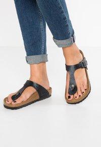 Birkenstock - GIZEH - T-bar sandals - slate - 0