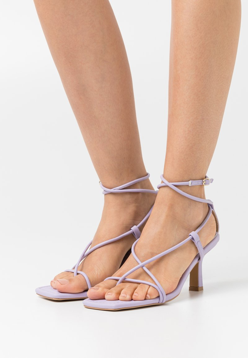 Missguided - STRAPPY TOE MID HEEL  - T-bar sandals - lilac