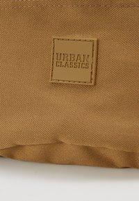 Urban Classics - HIP BAG - Rumpetaske - croissant - 3