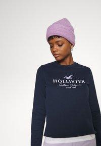 Hollister Co. - SECONDARY TECH CORE CREW - Sweatshirt - navy - 3
