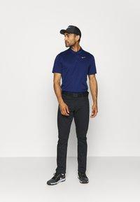 Nike Golf - DRY ESSENTIAL SOLID - Funktionstrøjer - blue void/silver - 1