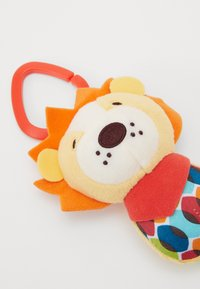 Skip Hop - BANDANA BUDDIES -CHIME BUDDIES - LION - Cuddly toy - orange - 2