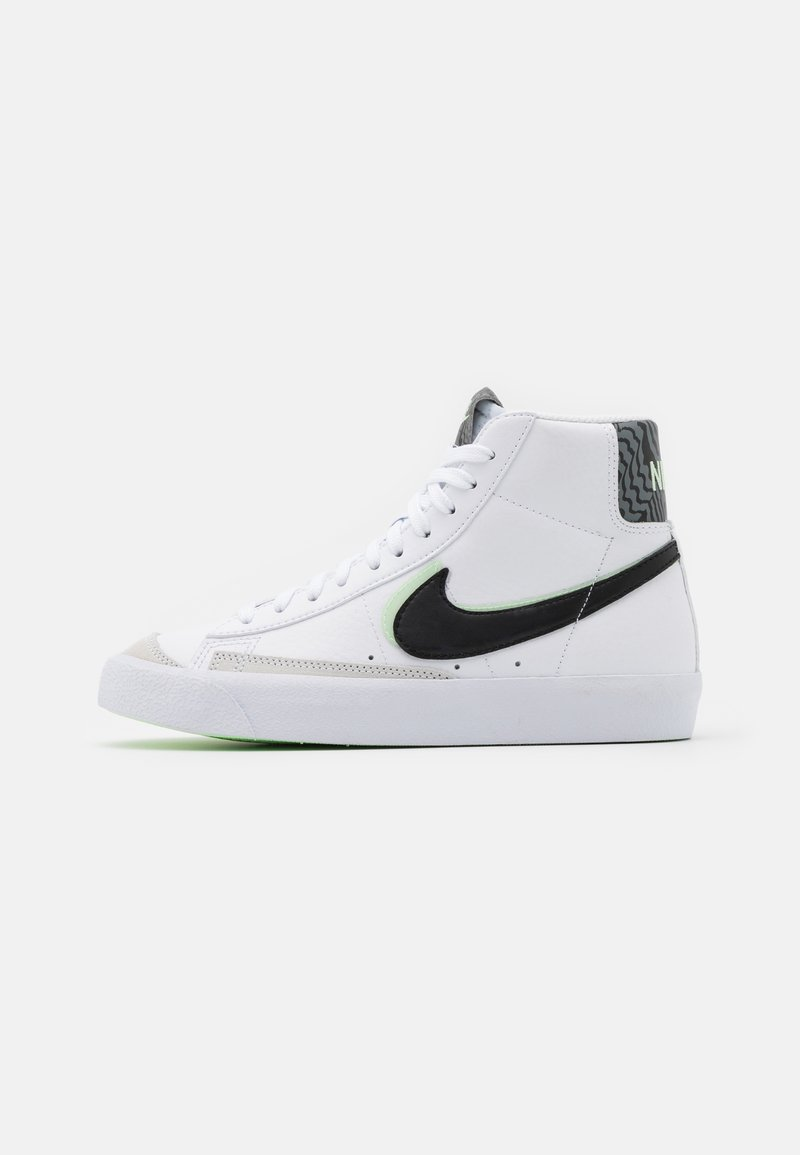 Nike Sportswear - BLAZER MID '77 - Korkeavartiset tennarit - white/black/vapor green/smoke grey