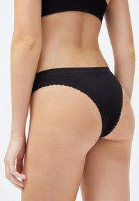 OYSHO - BRAZILIAN SEAMLESS LOOP - Briefs - black - 1