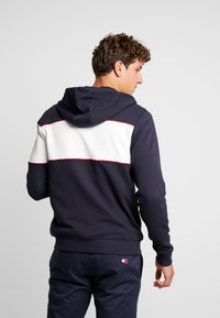 Tommy Hilfiger - CHEST HOODED ZIP THROUGH - Sudadera con cremallera - blue - 2