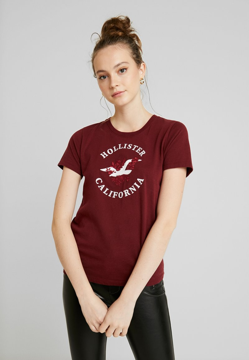 Hollister Co. - INCREMENTAL TECH CORE - Print T-shirt - zinfandel