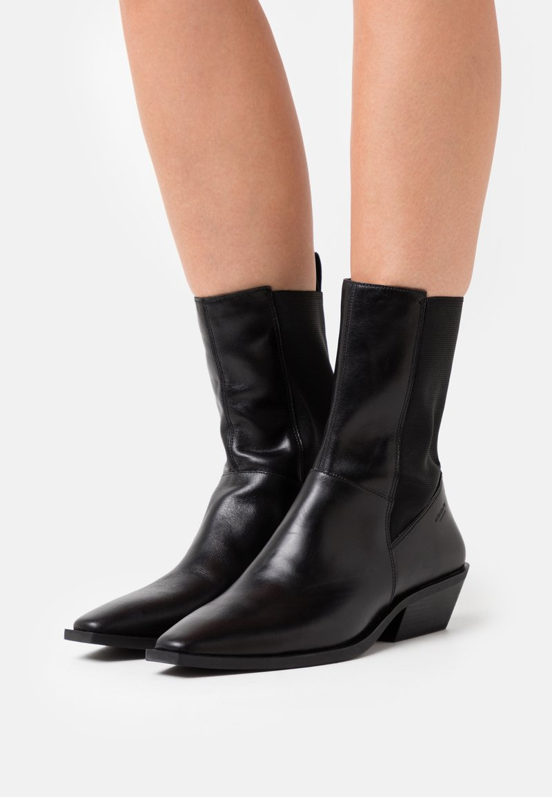 Vagabond - ALLY - Classic ankle boots - black