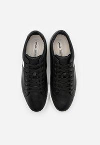 Levi's® - WOODWARD  - Sneakers basse - regular black - 3