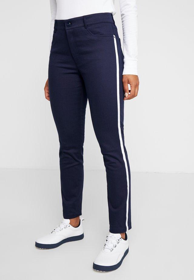 SOFT POCKET PANT - Pantalon classique - french navy/pure white