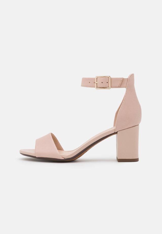 DEVA MAE - Sandals - dusty rose