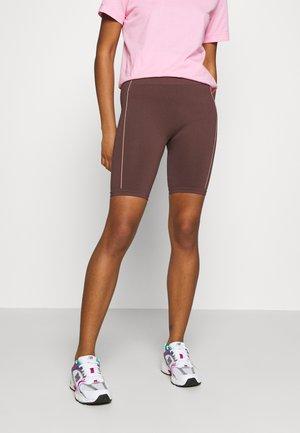 TONI DREHER X nu-in GENESIS SEAMLESS CYCLING SHORTS - Shorts - brown/pink