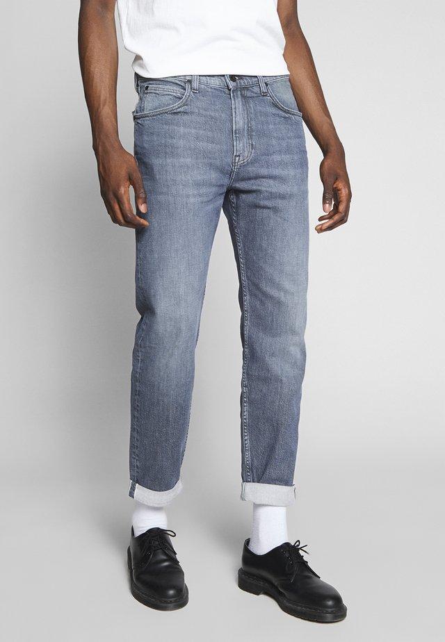 AUSTIN - Straight leg jeans - worn in watts