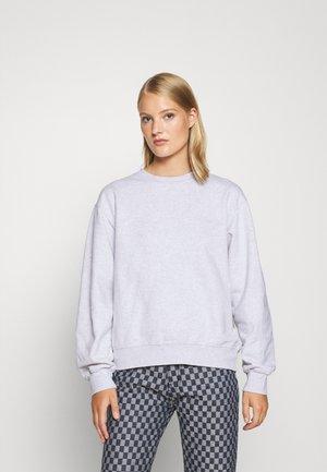 BULKY CREW - Sweatshirt - light grey melange
