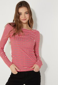 Tezenis - MIT U-BOOT-AUSSCHNITT - Long sleeved top - red lipstick/bianco - 0