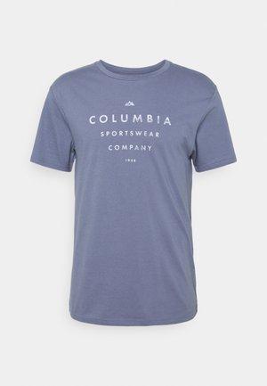 PATH LAKE GRAPHIC TEE - T-shirt z nadrukiem - bluestone