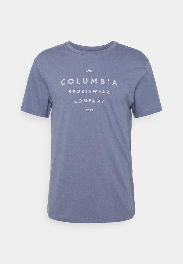 PATH LAKE GRAPHIC TEE - T-shirt print - bluestone