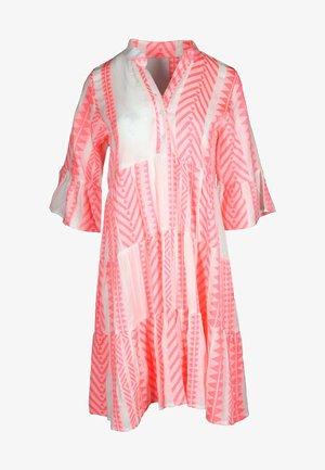 AMALIA - Shirt dress - lachs