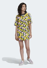 adidas Originals - BELLISTA TEE DRESS - Vestido informal - yellow - 0