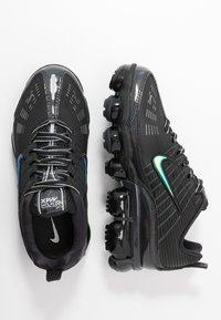 Nike Sportswear - NIKE AIR VAPORMAX 360 - Sneakersy niskie - black/anthracite/metallic dark grey - 3