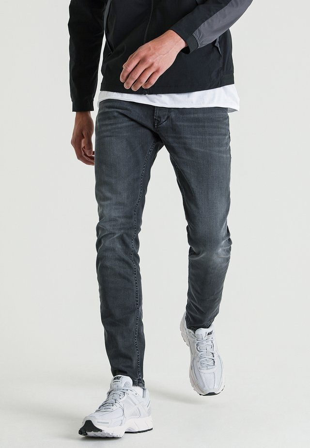 EGO PINTO - Slim fit jeans - gray