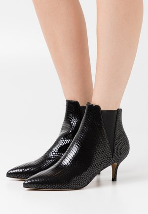 SIENA CHELSEA - Classic ankle boots - black