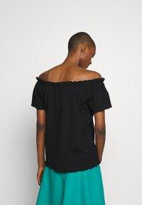 Cream - TORI - Basic T-shirt - pitch black - 2