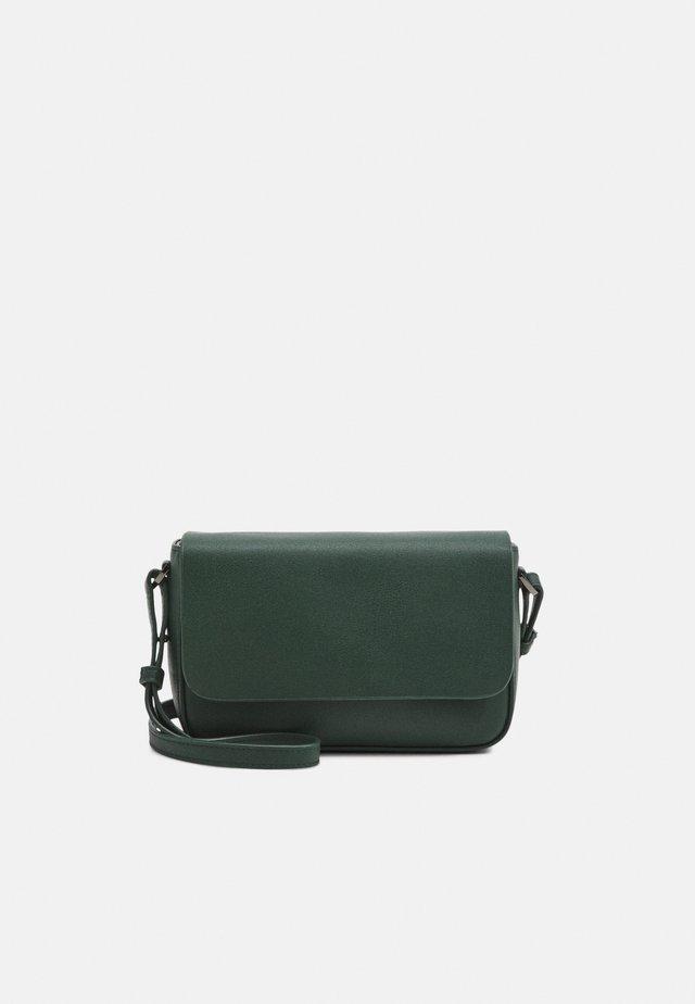 FLAP - Taška spříčným popruhem - lightning green