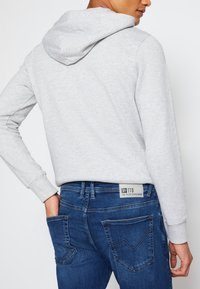 TOM TAILOR DENIM - SLIM PIERS - Jeans slim fit - used mid stone blue denim - 3