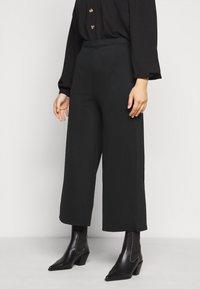 Even&Odd Curvy - Pantaloni - black - 0